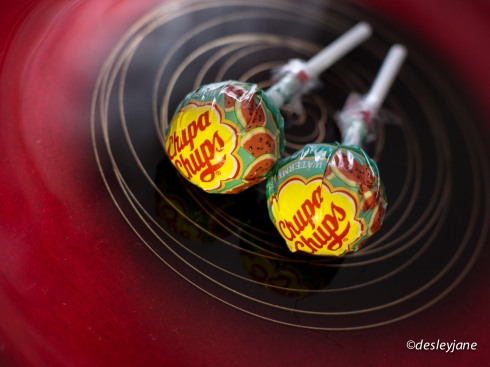 Double Chup. 17mm f/2.8 1/50s ISO400