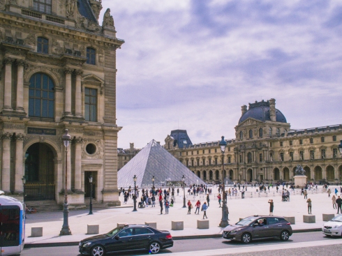 Paris-7_louvre