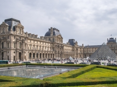 Paris-9_louvre